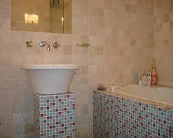 ubin dinding kamar mandi